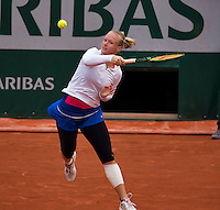 Paris, France, 01 June, 2016, Tennis, Roland Garros, Womans quarter final Kiki Bertens (NED)  in her match against Timea Bacsinszky (SUI)<br /> Photo: Henk Koster/tennisimages.com
