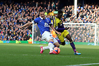 Pictured: Nathan Dyer of Swansea (R) against Seamus Coleman of Everton (L). Sunday 16 February 2014<br />