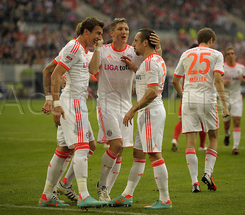 20.10.2012. Dusseldorf, Germany.  Dusseldorf versus  FC Bayern Munich. Goal celebration for the goal for 1-0 from Mario Mandzukic with Franck Ribery right