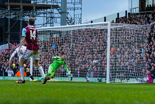 22.03.2014  London, England.   West Ham United's goalkeeper ADRIAN beaten for a second time by Manchester United's Wayne ROONEY during the Premier League game between West Ham United and Manchester United from the Boleyn Ground, Upton Park .