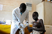 SOUTH SUDAN  Bahr al Ghazal region , Lakes State, hospital in Dinka village Mapuordit, Malaria blood testing / SUED-SUDAN  Bahr el Ghazal region , Lakes State, Mary Immaculate DOR Hospital der Comboni Missionare im Dinka Dorf Mapuordit, Malaria, Bluttest