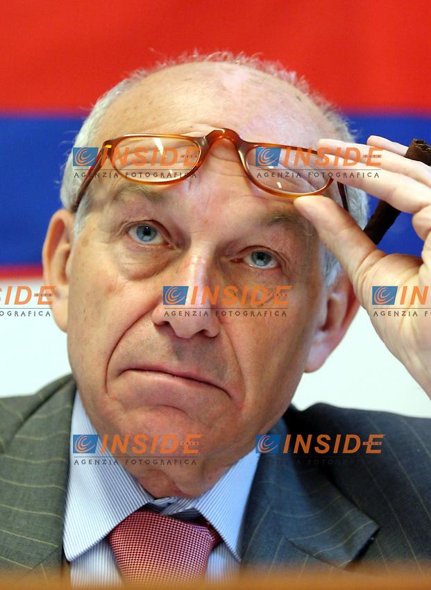 Roma 21-04-2006 Direzione Nazionale di Rifondazione Comunista<br /> Nella foto il Segretario nazionale Fausto Bertinotti<br /> Photo Serena Cremaschi Insidefoto