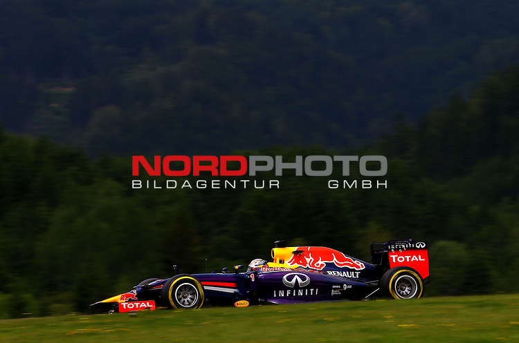 Sebastian Vettel (GER), Red Bull Racing<br /> for the complete Middle East, Austria &amp; Germany Media usage only!<br />  Foto &copy; nph / Mathis