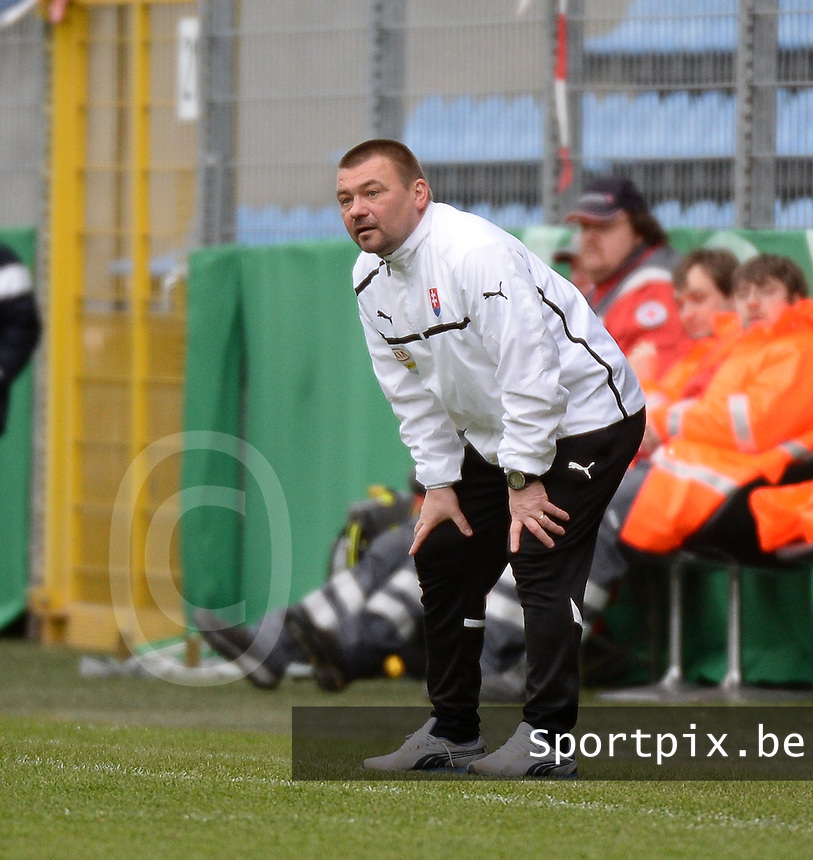 20150331 - MANNHEIM, Germany :<br /> <br /> Slovakian coach Milan Malatinsky<br /> ,  pictured during the soccer match between Under 19 teams of Republic of Ireland and Slovakia , on the third and last matchday  in Group 2 of the UEFA Elite Round Under 19 at the Carl-Benz Stadium, Mannheim, Germany<br /> <br /> Thursday 31 march 2015<br /> foto Dirk Vuylsteke / David CATRY