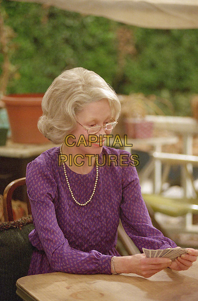 MARY TYLER MOORE.in The Gin Game .Filmstill - Editorial Use Only.Ref: FB.sales@capitalpictures.com.www.capitalpictures.com.Supplied by Capital Pictures.