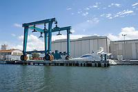 Pisa, canale dei Navicelli,cantiere navale con travel lift per yacht