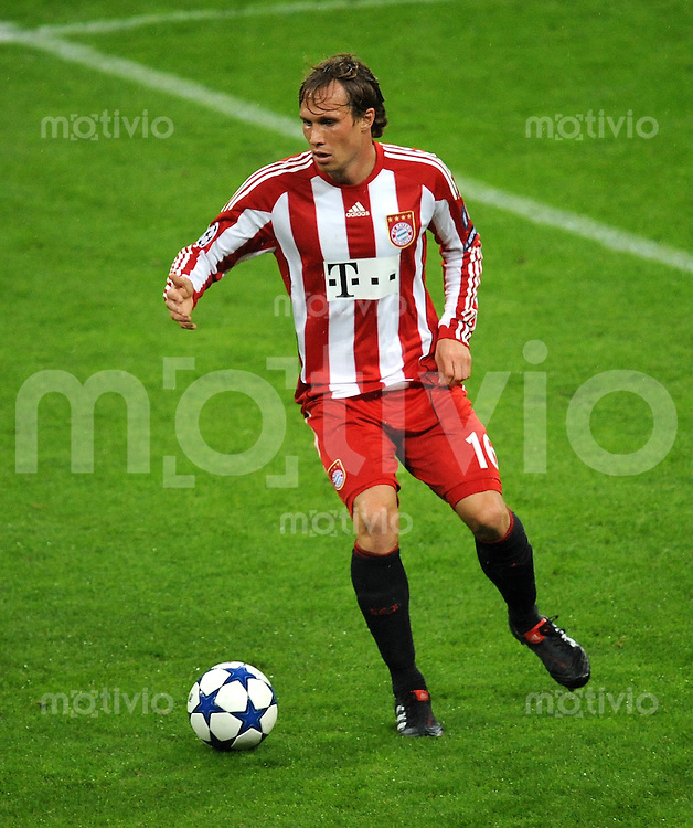 FUSSBALL   CHAMPIONS LEAGUE   SAISON 2010/2011   GRUPPE  E 19.10.2010 FC Bayern  Muenchen  - CFR 1907 Cluj Andreas Ottl (FC Bayern Muenchen)