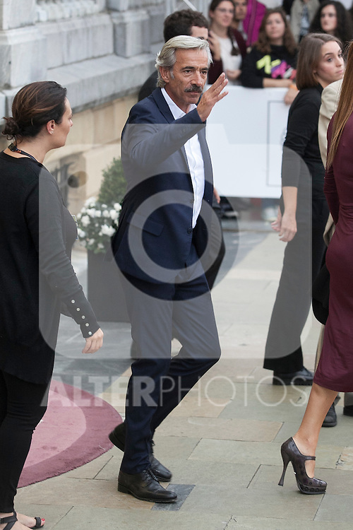 Imanol Arias arrives to Maria Cristina hotel during 63rd Donostia Zinemaldia (San Sebastian International Film Festival) in San Sebastian, Spain. September 21, 2015. (ALTERPHOTOS/Victor Blanco)