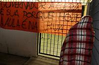 SÃO PAULO,SP, 13.11.2015 - PROTESTO-SP - Estudantes ocupam a Escola Estadual Castro Alves na Vila Mazzei, zona norte de São Paulo, em ato contra o fechamento de escolas e o plano de reestruturação do ensino proposto pelo governo Geraldo Alckmin (PSDB) para 2016, nesta sexta-feira (13). (Foto: Fernando Neves / Brazil Photo Press)