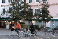 Passeggiata in bicicletta al Lido di Venezia.<br /> Riding on a bicycle at Venice's Lido.<br /> UPDATE IMAGES PRESS/Riccardo De Luca