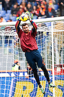 Calcio, Serie A: Roma-Genoa. Roma, stadio Olimpico, 12 gennaio 2014.<br /> AS Roma goalkeeper Morgan De Sanctis warms up prior to the start of the Italian Serie A football match between AS Roma and Genoa, at Rome's Olympic stadium, 12 January 2014. <br /> UPDATE IMAGES PRESS/Isabella Bonotto