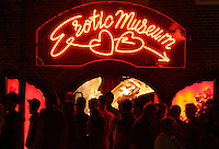 People looks in front at Erotic Museum in Red Light District in Amsterdam,Netherlands - Photo by Paulo Amorim