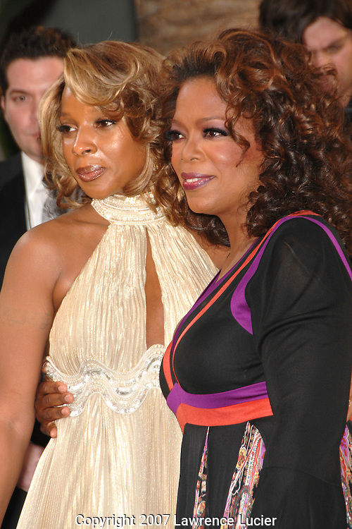 Mary J. Blige and Oprah Winfrey attends the 2007 Vanity Fair Oscar Party held at Morton's Steakhouse in Los Angeles, CA, USA on February 25, 2007... (Pictured : MARY J BLIGE OPRAH WINFREY).
