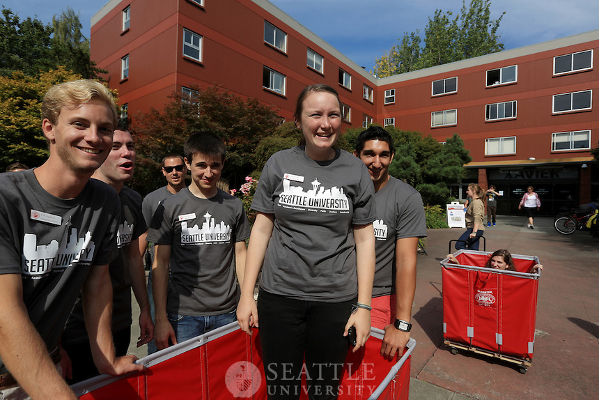 09152012- Seattle University Freshman Move In day - Welcome Week
