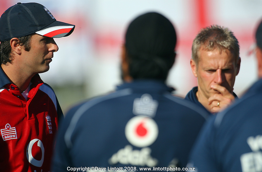 Michael Vaughan talks to the England team with coach Peter Moores before the start of day three. National Bank Test Match Series, New Zealand v England, 2nd Test at Allied Prime Basin Reserve, Wellington, New Zealand. Day 3. Saturday, 15 March 2008. Photo: Dave Lintott / lintottphoto.co.nz
