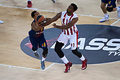 3rd November 2017, Palau Blaugrana, Barcelona, Spain; Turkish Airlines Euroleague Basketball, FC Barcelona Lassa versus Olympiacos Piraeus; 8 PRESSEY, PHIL of FC Barcelona Lassa#1 MCLEAN, JAMEL of OLYMPIACOS PIRAEUS in action during the match of round 5 of regular season in the 2017/2018 Turkish Airlines EuroLeague
