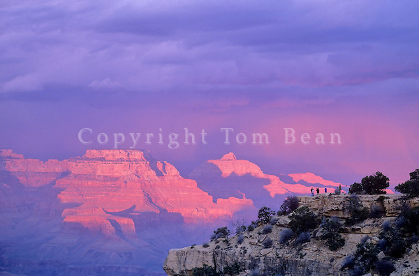 People on the South Rim near Powell Memorial and Hopi Point at Grand Canyon National Park, Arizona, AGPix_0149.