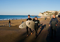 Bilbainos and surfers enjoy a sunny winter day in Sopelana on the outskirts of Bilbao. Travel assignment National Geographic Traveler en Español. Bilbao, Spain, December 2008