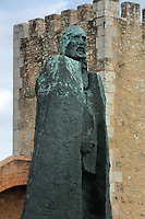 Bronze statue of Gonzalo Fernandez de Oviedo y Valdes, 1478-1557, Spanish historian and writer, at the Fortaleza Ozama, or Ozama Fortress, a defensive castle built by the Spanish 1502-05 on the Ozama river, in Santo Domingo, capital of the Dominican Republic, in the Caribbean. He participated in the colonisation of the Caribbean by the Spanish and wrote extensively on the subject. Santo Domingo's Colonial Zone is listed as a UNESCO World Heritage Site. Picture by Manuel Cohen