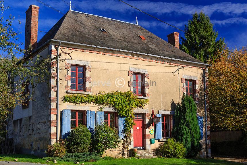 France, Cher (18), La Borne, la maison et atelier de la céramiste Christine Pedley // France, Cher, La Borne, Christine Pedley house and pottery workshop