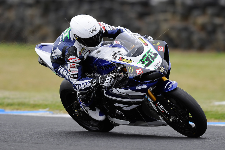 PHILLIP ISLAND, 22 FEBRUARY - Eugene Laverty (IRL) riding the Yamaha YZF R1 (58) of the Yamaha World Superbike Team at day two of the testing session prior to round one of the 2011 FIM Superbike World Championship at Phillip Island, Australia. (Photo Sydney Low / syd-low.com)