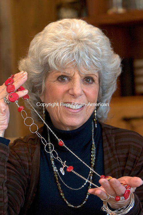 WASHINGTON, CT 05 February 2008-020509SV06--Susan Katz of Washington works with some of the jewelry she creates from semi-precious stones at her home Thursday.<br /> Steven Valenti Republican-American