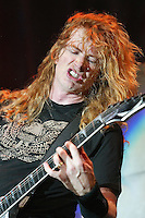 04/25/07 Los Angeles, CA:  Dave Mustaine and Megadeath performs at the LA Forum
