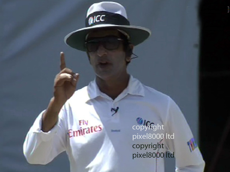 Sri Lanka v England 2nd test -.Row over Kevin Pietersen switch hitting..KP warned for time wasting by setting too early for switch hit/reverse sweep..Umprie Asad Rauf waves a finger giving him a warning......Pic supplied by Gavin Rodgers/Pixel 8000 Ltd