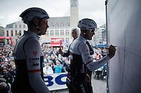 signing in<br /> <br /> 71st Dwars door Vlaanderen (1.HC)