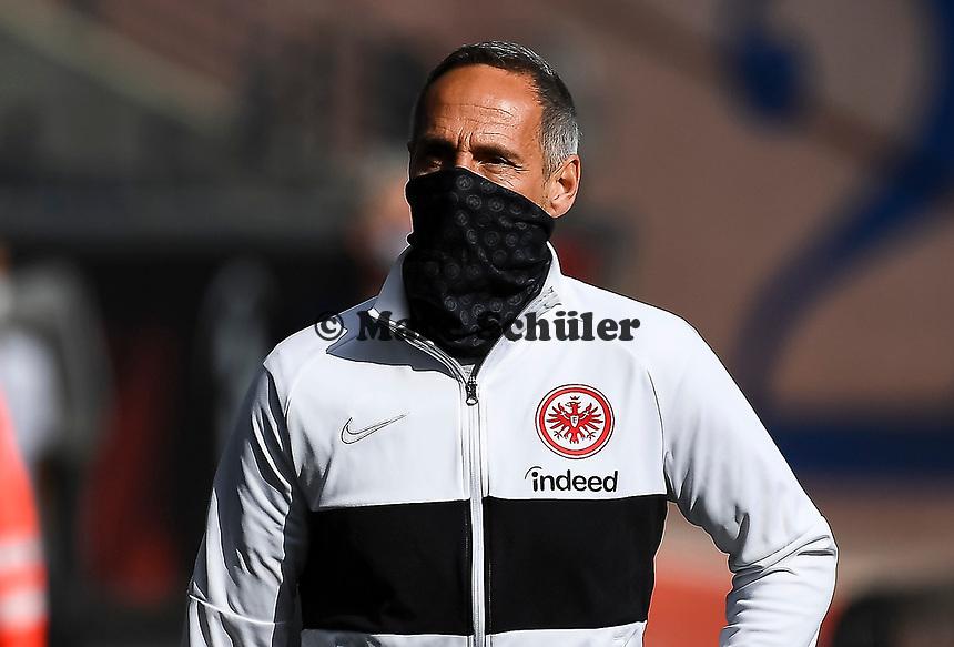 Trainer Adi Hütter (Eintracht Frankfurt) mit Maske im Innenraum der Commerzbank Arena - 16.05.2020, Fussball 1.Bundesliga, 26.Spieltag, Eintracht Frankfurt  - Borussia Moenchengladbach emspor, v.l. Stadionansicht / Ansicht / Arena / Stadion / Innenraum / Innen / Innenansicht / Videowall<br /> <br /> <br /> Foto: Jan Huebner/Pool VIA Marc Schüler/Sportpics.de<br /> <br /> Nur für journalistische Zwecke. Only for editorial use. (DFL/DFB REGULATIONS PROHIBIT ANY USE OF PHOTOGRAPHS as IMAGE SEQUENCES and/or QUASI-VIDEO)