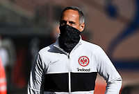 Trainer Adi Hütter (Eintracht Frankfurt) mit Maske im Innenraum der Commerzbank Arena - 16.05.2020, Fussball 1.Bundesliga, 26.Spieltag, Eintracht Frankfurt  - Borussia Moenchengladbach emspor, v.l. Stadionansicht / Ansicht / Arena / Stadion / Innenraum / Innen / Innenansicht / Videowall<br /> <br /> <br /> Foto: Jan Huebner/Pool VIA Marc Schüler/Sportpics.de<br /> <br /> Nur für journalistische Zwecke. Only for editorial use. (DFL/DFB REGULATIONS PROHIBIT ANY USE OF PHOTOGRAPHS as IMAGE SEQUENCES and/or QUASI-VIDEO)