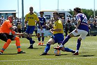 UITHUIZEN - Voertbal, RWE Eemsmond - FC Groningen, voorbereiding seizoen 2018--2019, 30-06-2018,  uithaal van FC Groningen speler Amir Absalem