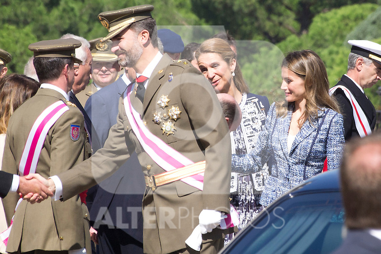 01.10.2012. The Spanish Royal Family, King Juan Carlos, Queen Sofia, Prince Felipe, Princess Letizia and Princess Elena attend the imposition of collective Distinguished Cross San Fernando Al Banner Armored Cavalry Regiment ´Alcántara´ No. 10 in the Royal Palace in Madrid, Spain. In the image  Prince Felipe, Princess Letizia and Princess Elena (Alterphotos/Marta Gonzalez)