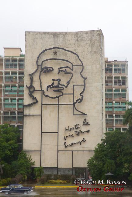 Che Guevara Portriat On Buildings, Havana