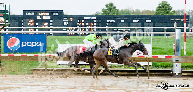 Lethal Lil Lady winning at Delaware Park on 10/7/13