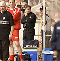 20040509    Copyright Pic: James Stewart.File Name : jspa20_clyde_v_ict.INVERNESS CALEY BOSS JOHN ROBERTSON WATCHES FROM THE DUG OUT....James Stewart Photo Agency 19 Carronlea Drive, Falkirk. FK2 8DN      Vat Reg No. 607 6932 25.Office     : +44 (0)1324 570906     .Mobile  : +44 (0)7721 416997.Fax         :  +44 (0)1324 570906.E-mail  :  jim@jspa.co.uk.If you require further information then contact Jim Stewart on any of the numbers above.........