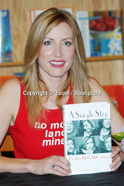"Heather Mills McCartney was signing her latest book: "" A Single Step "" at Border Books Northridge in Los  Angeles. October 30, 2002.           -            MillsMcCartneyHeather12.jpg"