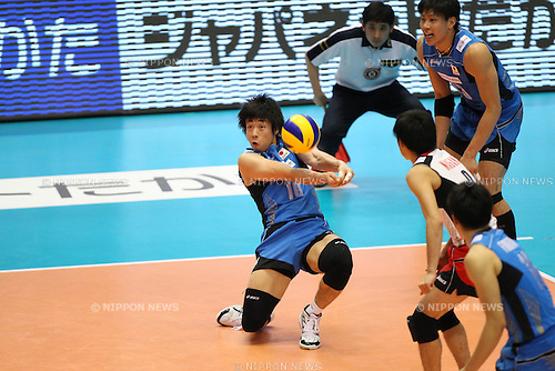 Yuta Yoneyama (JPN), .JUNE 9, 2012 - Volleyball : .FIVB Men's World Olympic Qualification Tournament .for the London Olympics 2012 .between Japan 3-1 Puerto Rico .at Tokyo Metropolitan Gymnasium, Tokyo, Japan. .(Photo by YUTAKA/AFLO SPORT) [1040]