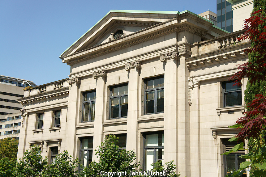Vancouver Art Gallery building, Vancouver, British Columbia, Canada. This neoclassical building was formerly the Provincial Courthouse.