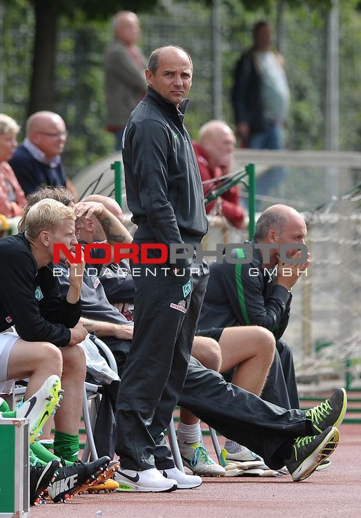 18.08.2013, Platz 11, Bremen, GER, RLN, Werder Bremen II vs SV Eichede, im Bild Viktor Skripnik (Trainer Werder Bremen II)<br /> <br /> Foto &copy; nph / Frisch
