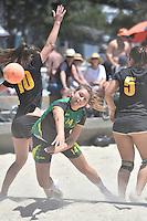 Action from the Beach Handball tournament at Oriental Bay Beach, Oriental Parade,<br /> Wellington, New Zealand on Saturday 24 January 2015. <br /> Photo by Masanori Udagawa.   <br />  www.photowellington.photoshelter.com.