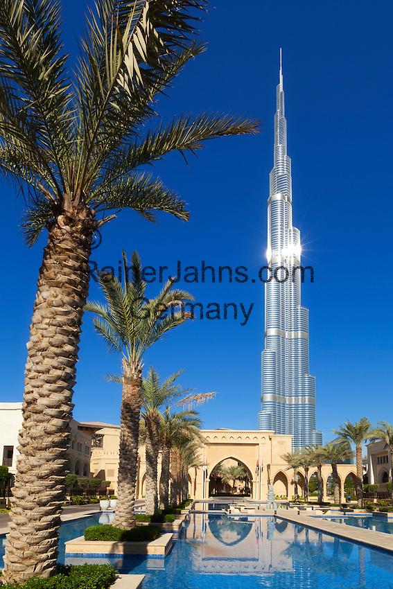 United Arab Emirates, Dubai: Burj Khalifa, the world's tallest building   Vereinigte Arabaische Emirate, Dubai: Burj Khalifa Dubai (das hoechste Gebaeude der Welt) und die Dubai Mall