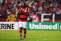 ATENCAO EDITOR: FOTO EMBARGADA PARA VEÍCULOS INTERNACIONAIS. - RIO DE JANEIRO, RJ, 16 DE SETEMBRO DE 2012 - CAMPEONATO BRASILEIRO - FLAMENGO X GREMIO - Vagner Love, jogador do Flamengo, lamenta chance perdida, durante partida contra o Gremio, pela 25a rodada do Campeonato Brasileiro, no Stadium Rio (Engenhao), na cidade do Rio de Janeiro, neste domingo, 16. FOTO BRUNO TURANO BRAZIL PHOTO PRESS