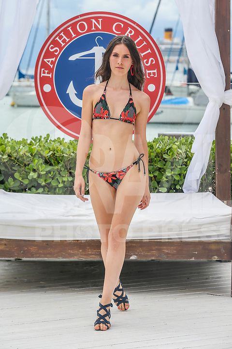 ILHA BELA, SP, 05.02.2018 - FASHION-CRUISE - Modelo durante desfile da grife Agua Doce no Sea Club no Fashion Cruise nesta segunda-feira, 05. (Foto: Vanessa Carvalho/Brazil Photo Press)