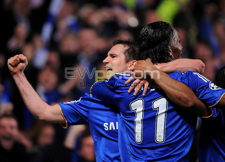 PICTURE BY Dave Winter/SWPIX.COM - Football - Champions League - Chelsea v Liverpool, Stamford Bridge, London  - 14/04/09.....Copyright - Simon Wilkinson - 07811267706...Frank Lampard celebrates making it 3-4...