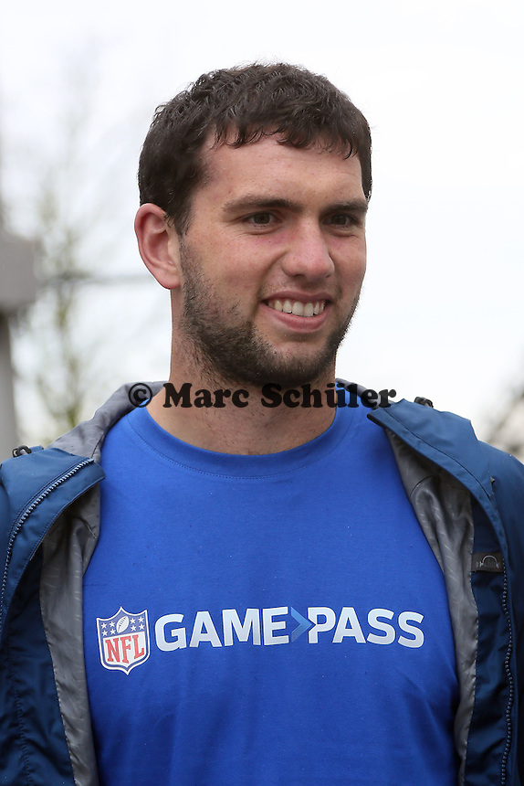 NFL Superstar QB Andrew Luck (Indianapolis Colts) im Münchner Olympiapark