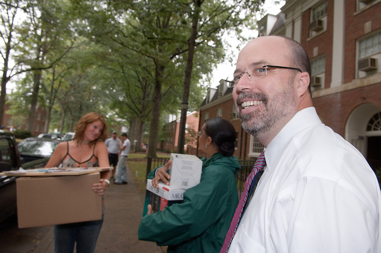 President McDavis & Mrs. McDavis Greeting students & families during Student Move in Day on 8/31/06.Jenna Duplechian, Mrs.McDavis, Terry Hogan