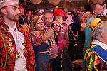 27. 02.2019, Maritim Hotel , Koeln,  GER, Karnevalssitzung des 1. FC Koeln , <br /> <br /> im Bild / picture shows: <br /> es wird ausgelassen gefeiert und gesungen <br /> <br /> Foto © nordphoto / Meuter