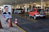 BRASILIA, DF, 12.07.2016 - CÂMARA-ELEIÇÃO -    Propaganda do deputado Fausto Pinato, candidato à Presidência da Câmara, próxima à entrada principal do Congresso Nacional, nesta terça, 12. (Foto:Ed Ferreira / Brazil Photo Press)
