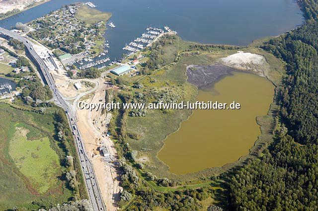 Deutschland, Schleswig- Holstein, Luebeck, am Tunnel, Wasser, Klärbecken ?